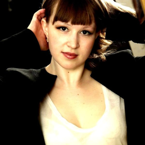 Mensetsu #19 – Julie – Chanteuse d'opéra